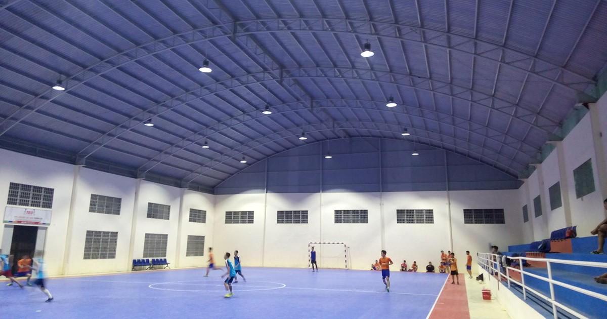 Giải pháp chiếu sáng nhà thi đấu đa năng, sân bóng đá, bóng rổ, bóng chuyền có mái che