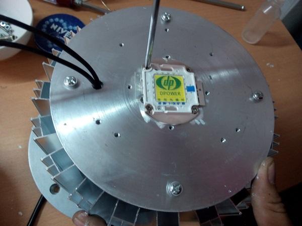 Thay mới chip LED nhà xưởng