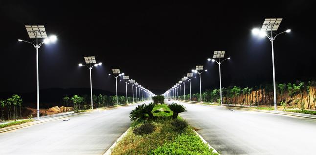Tại sao đèn LED và năng lượng mặt trời là sự kết hợp hoàn hảo?