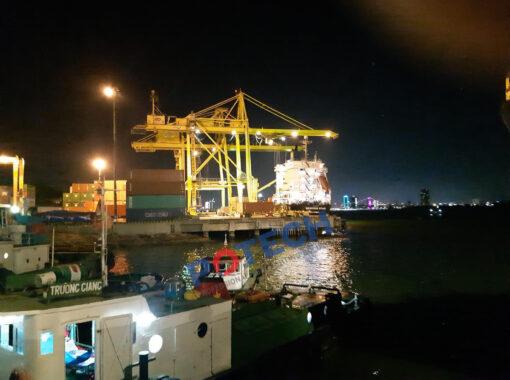 Đèn LED cảng Tiên Sa